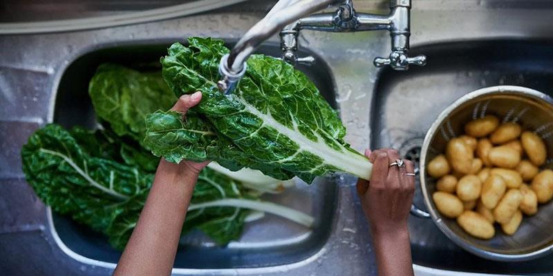پاک کردن و تمیز کردن سبزیجات