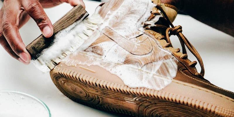 آیا می توانید کفش نبوک را با آب و صابون تمیز کنید؟