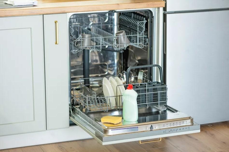 جرم گیری و تمیز کردن ماشین ظرفشویی