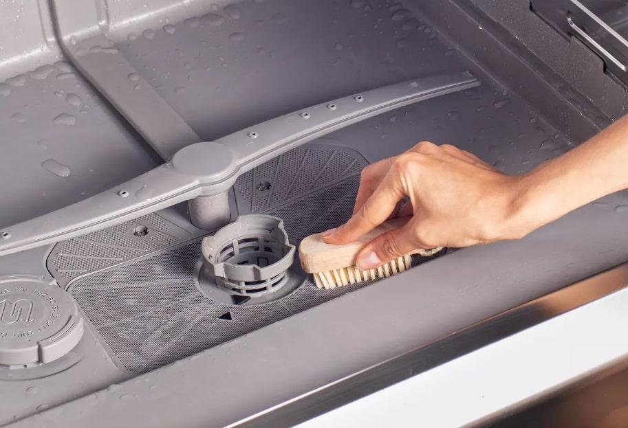 ۵ توصیه برای تمیز کردن ماشین ظرفشویی