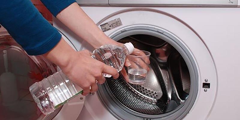 رفع بوی بد ماشین لباسشویی با جوششیرین و سرکه