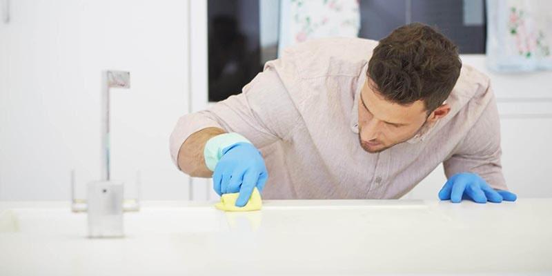روش تمیزکردن کابینتهای گلاس