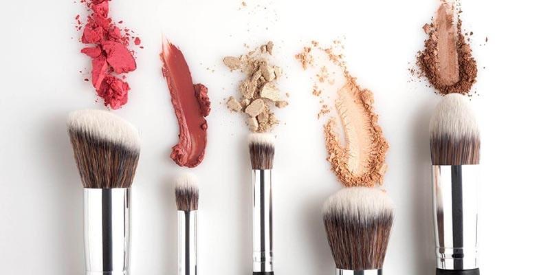 چرا لوازم آرایشی باید ضدعفونی شوند؟
