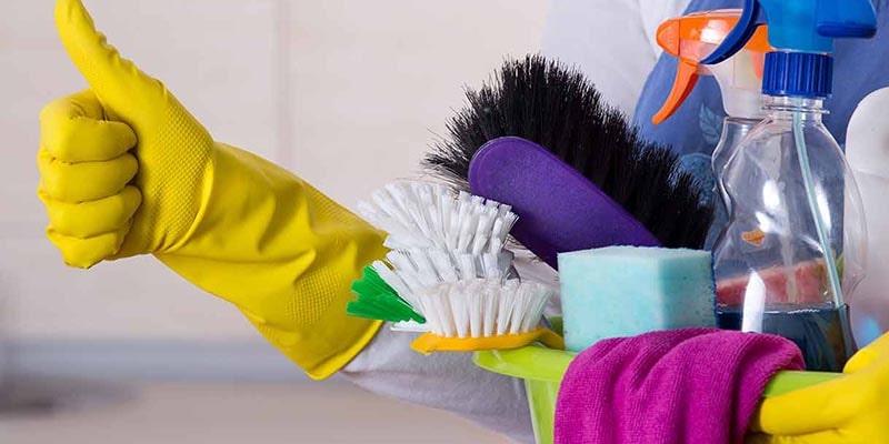 اهمیت تمیز کردن کابینتهای آشپزخانه