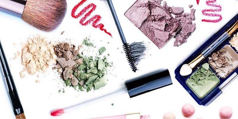 روشهای تمیز کردن انواع لوازم آرایشی