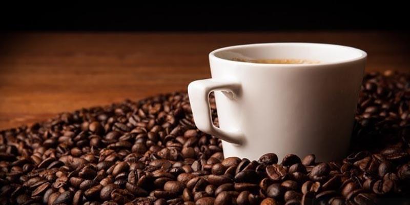 رفع بوی بد ظروف پلاستیکی با پودر قهوه
