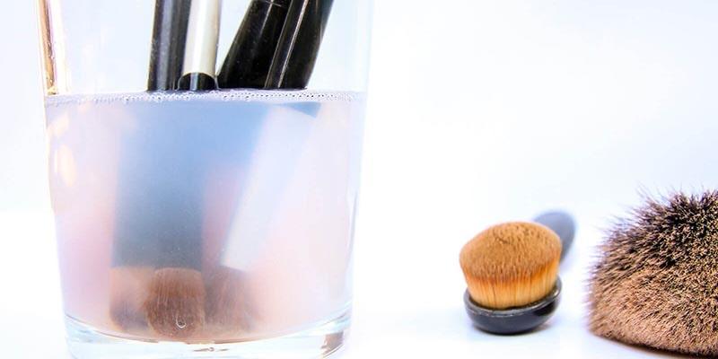 انواع مواد ضدعفونی کننده برای لوازم آرایشی