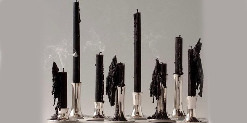 لکه شمع روی شمعدانها