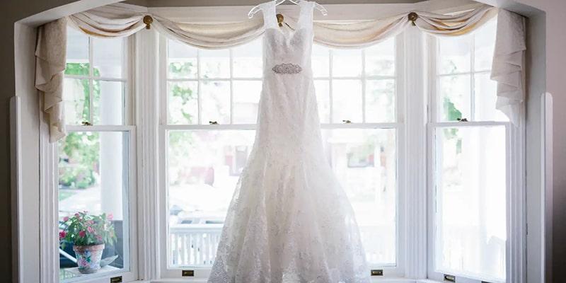 روش نگهداری و شستشوی لباس عروس در خانه