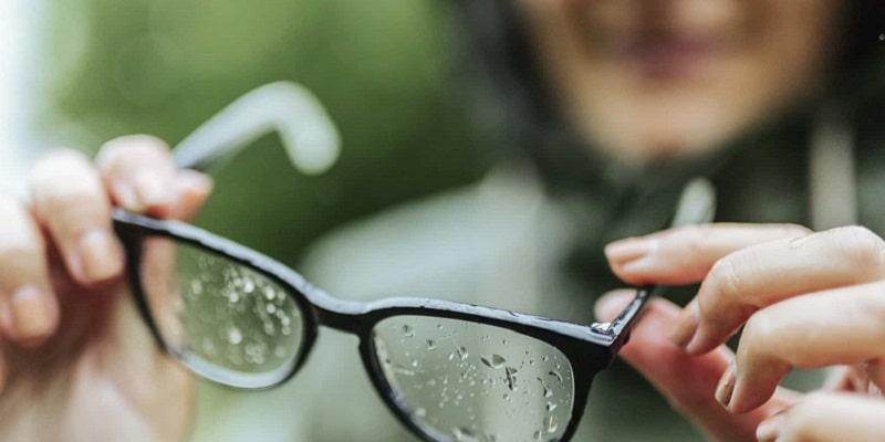 چگونه عینک خود را ضد عفونی کنم؟